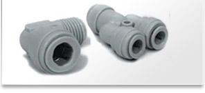Ajustements en plastique de tuyauterie